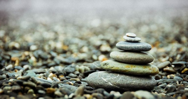 Minimalism: Declutter? Simplify? Or Both? Strategies for Creating Rich, Simple and Successful Lives