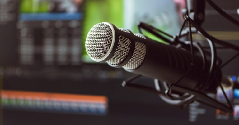 Our experience switching podcast hosting platforms from Captivate to Transistor