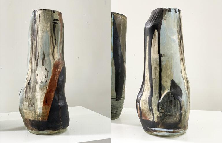 Tall pottery vase (9D)